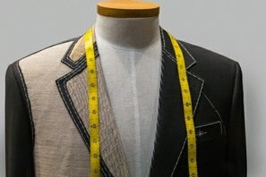 learn to sew the technique of real bespoke tailoring. An image of a tailored jacket dispalyed on a mannequin