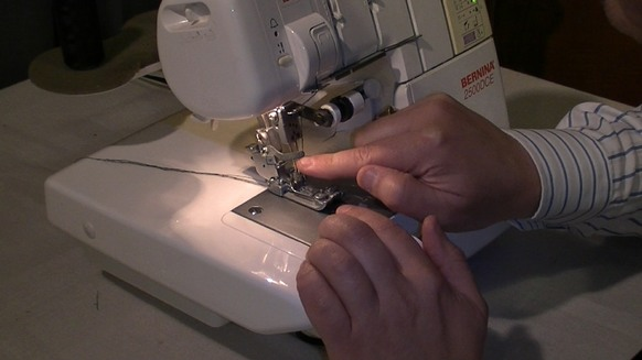 learn how to use an overlocker machine with the help of our online sewing classes that really do work. #onlinesewingclasses.